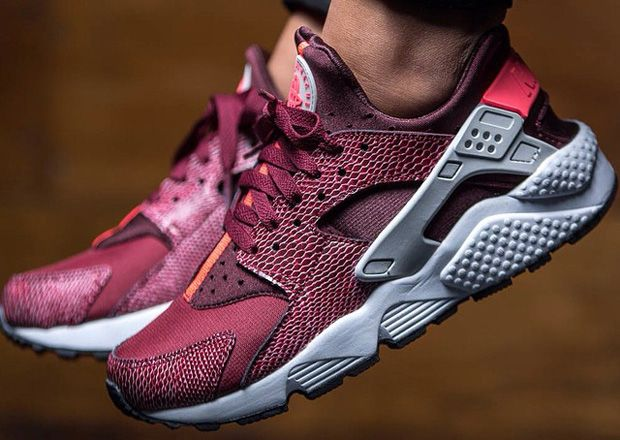 promo code 9d482 d99ce The Nike Air Huaraches continue its big year with this exotic look just for  the ladies