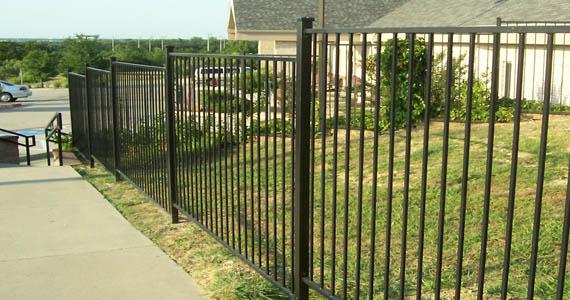 Wrought Iron Fence Company Midlothian In 2020 Fence Design Iron Fence Backyard Fences
