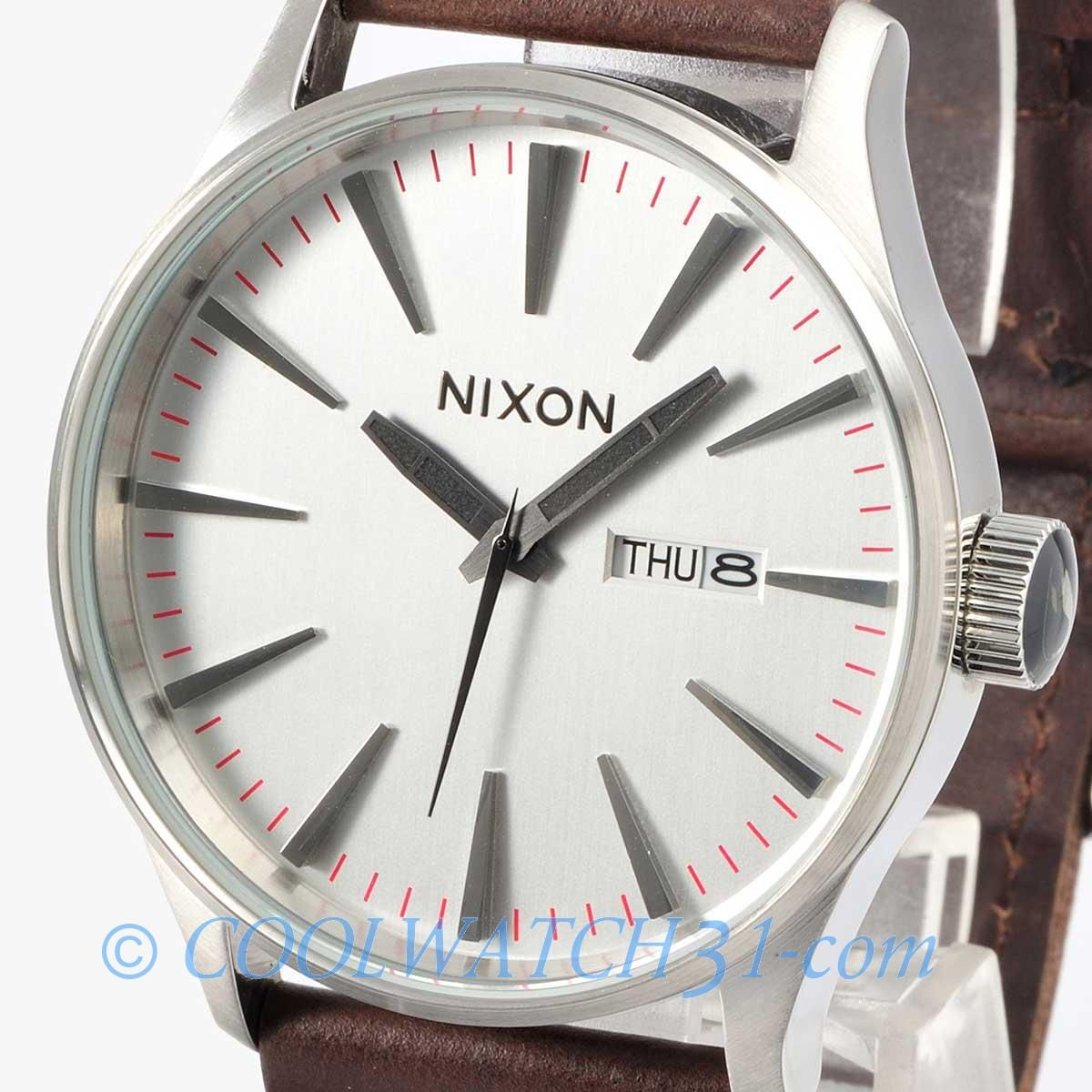 Jewel Nixon: New NIXON Watch Mens SENTRY LEATHER Brown / Silver A105
