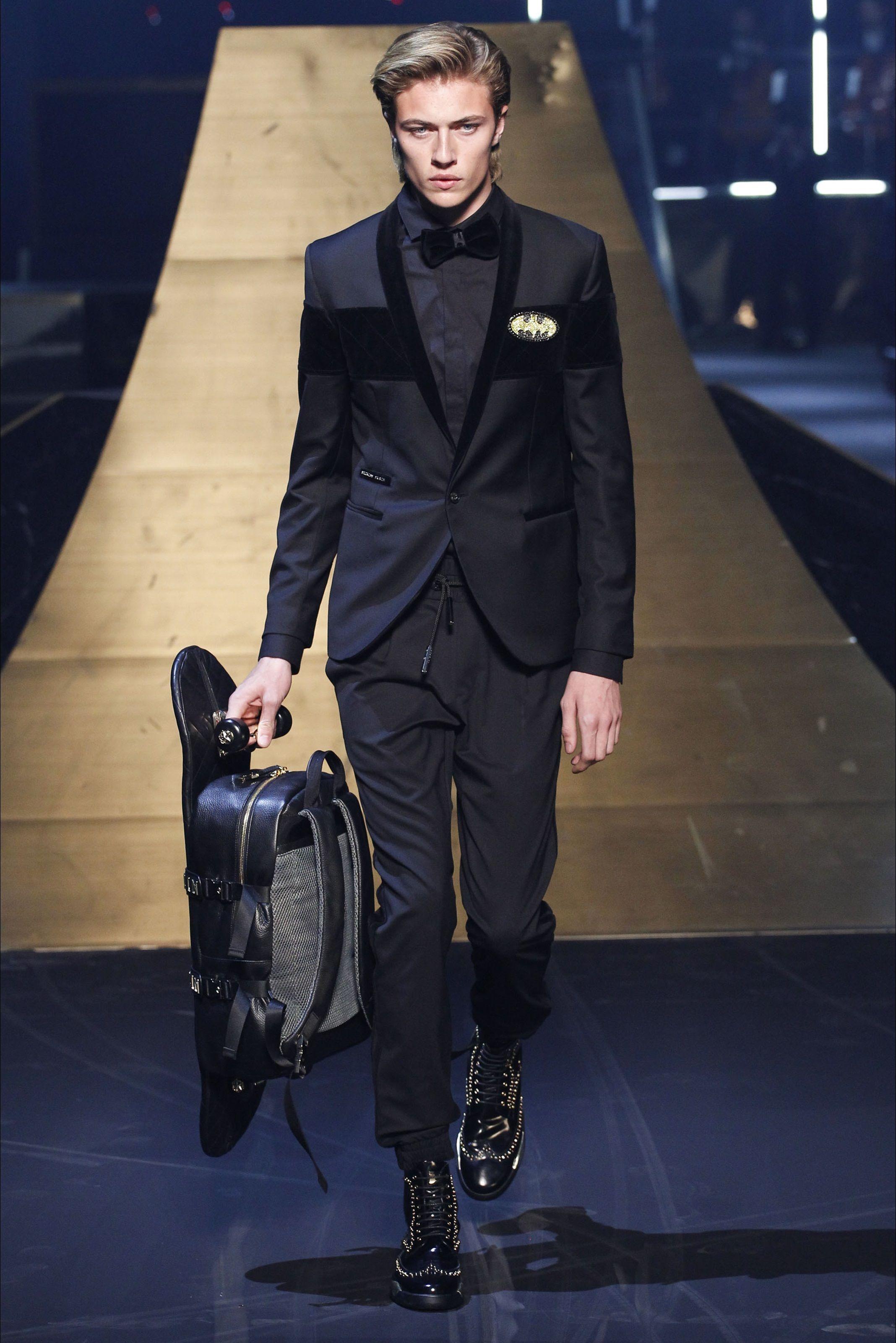 Sfilata Moda Uomo Philipp Plein Milano - Autunno Inverno 2016-17 - Vogue 7ef6934e28b