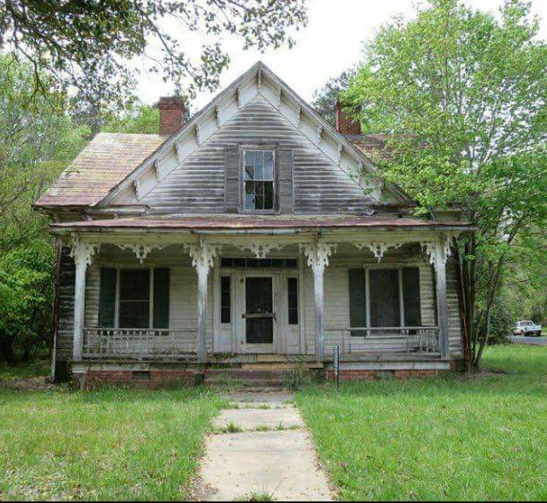 Sweet Little Farmhouse