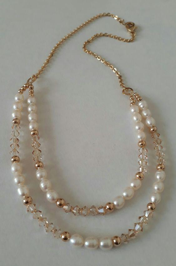 170774137a4f Perlas de río y cristales Swarovski. Creaciones Little Flower. Bisutería  fina 100% artesanal.  costarica  perfume  carolinaherra  relojes