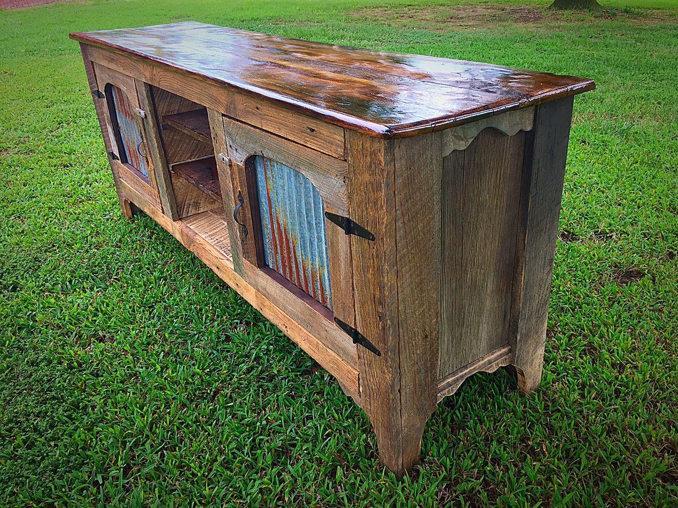 Barnwood entertainment by vintage southern