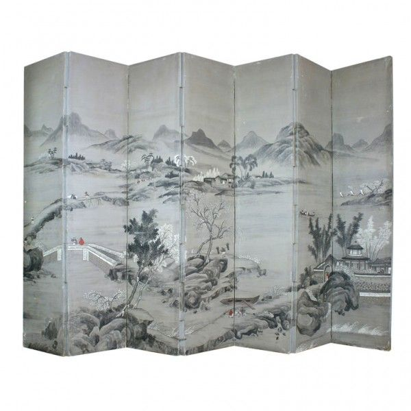 Fantastic Chinese Screen in Grisaille Palette