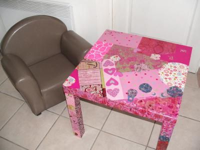 A table decorated with Decopatch paper.