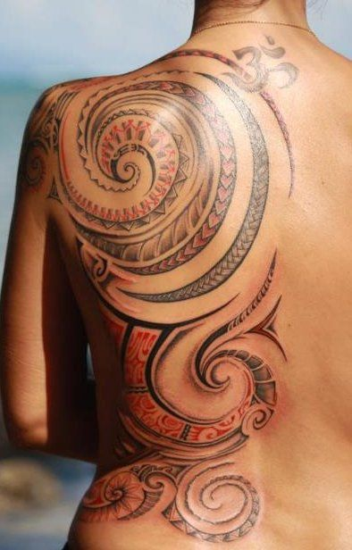 tatouage maori dos femme tatau polynesian tribal tattoos hawaii tattoos et samoan tattoo. Black Bedroom Furniture Sets. Home Design Ideas