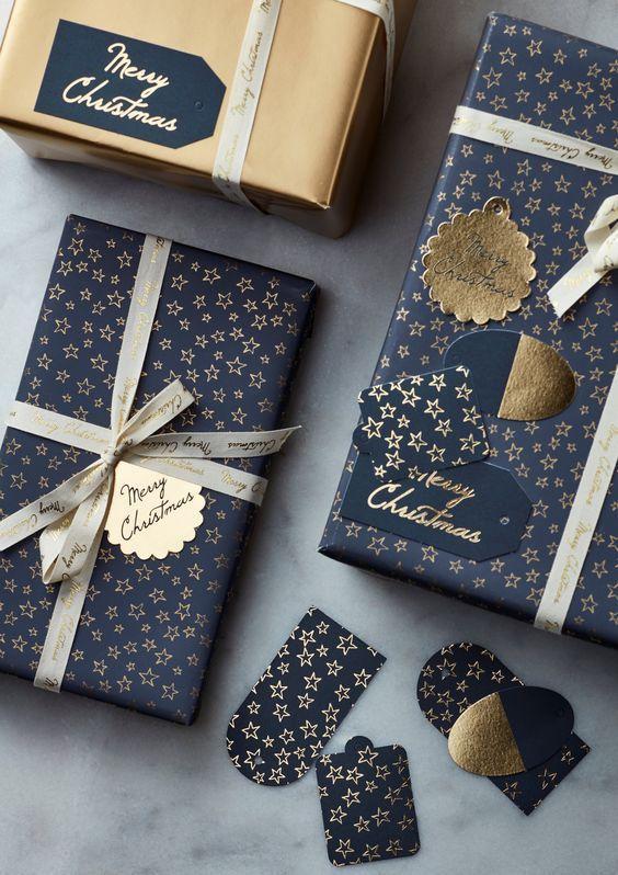 Photo of christmas wrapping #christmas Gold Navy Blue Christmas Gift Wrapping #Christmas …