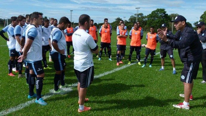 Clemer comanda treino do Glória  (Foto: Guilherme Araujo / TXT Sports, DVG)