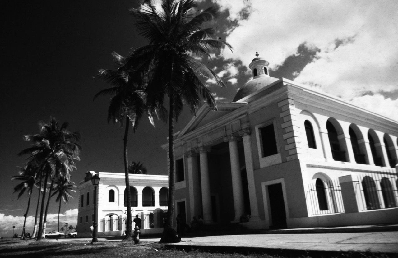 San Juan Puerto Rico , Photo by Richard Guimond  ©1980 19800105  Nikon F2a , 24mm f2.5 Kodachrome 64