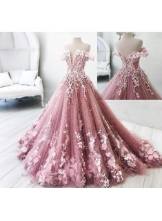 Rosa Abendkleid?