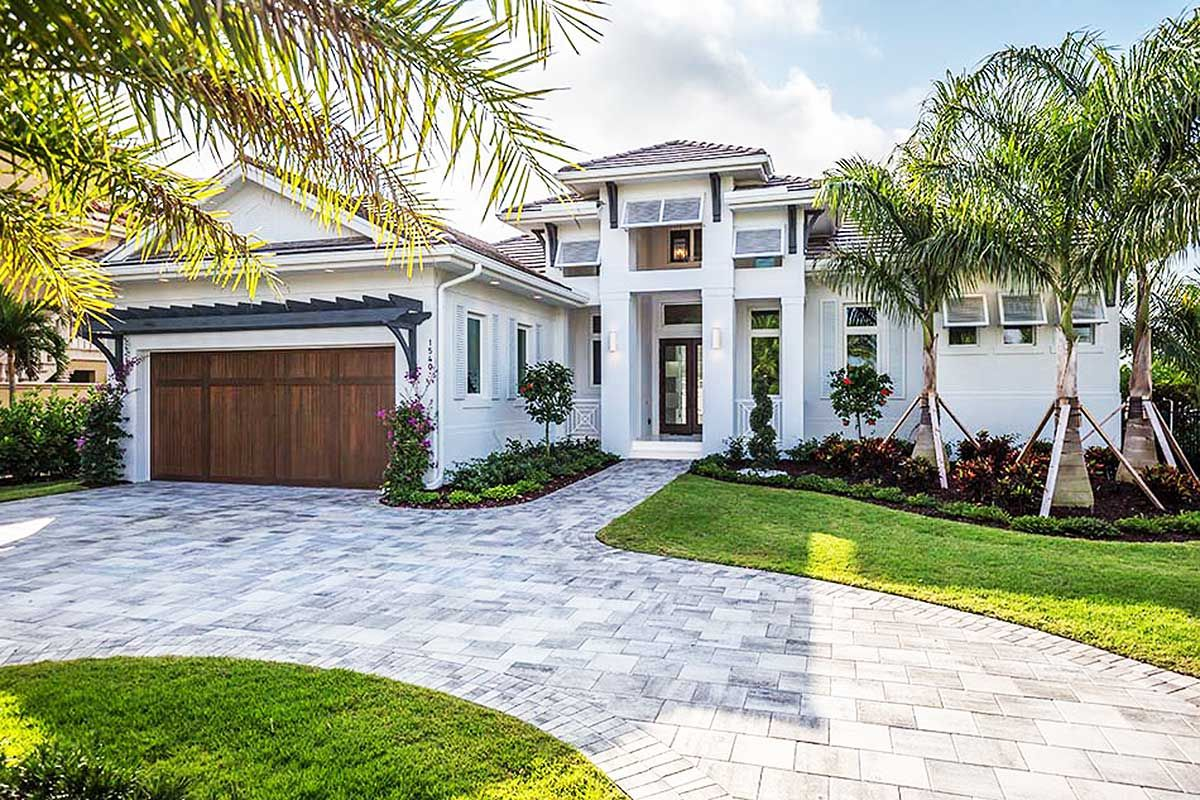 Plan bw florida living with wonderful outdoor space florida