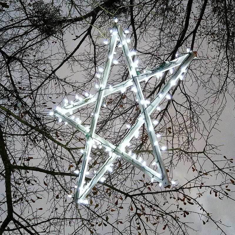 DIY Outdoor Wooden Lighted Stars Christmas decor-outdoor