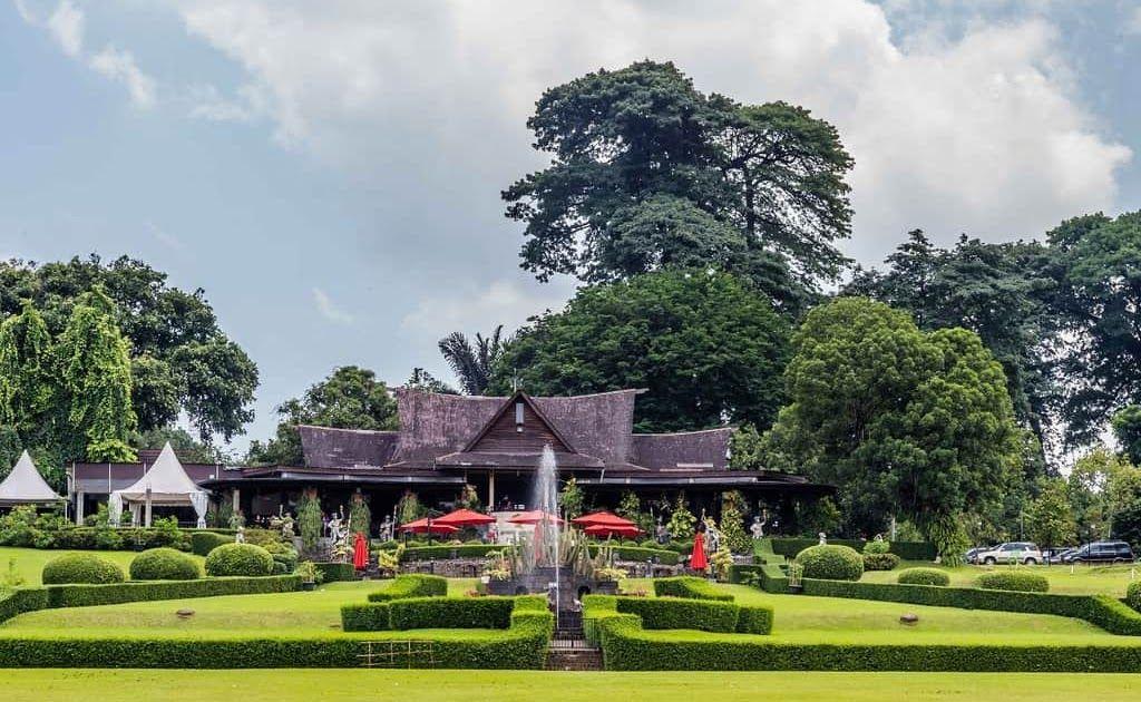 Wow 30 Foto Orang Melihat Pemandangan Alam 36 Tempat Wisata Di Bogor Yang Tidak Boleh Anda Lewatkan Download 36 Tempat W Di 2020 Pemandangan Gambar Awan Borobudur