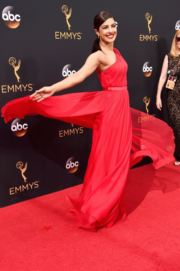 Priyanka Chopra S Red Hot Emmys Carpet Look Instyle