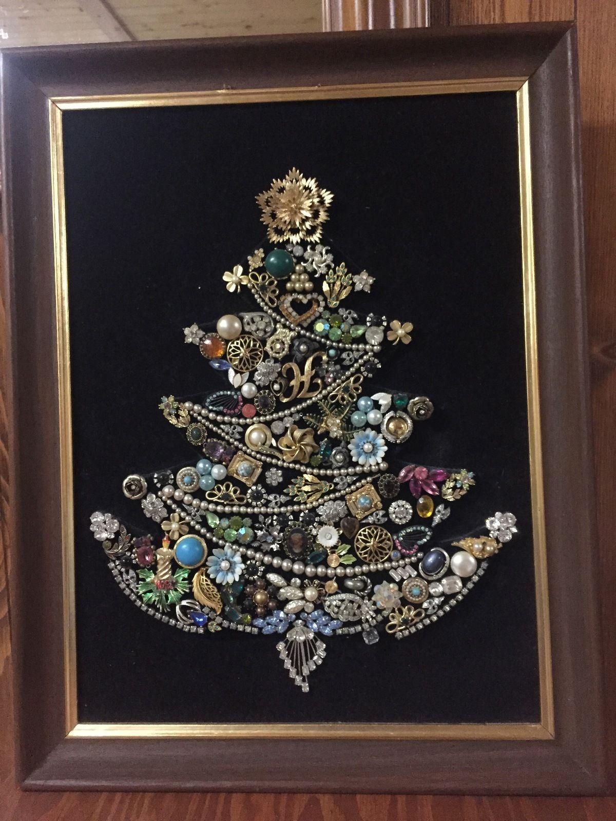 Vintage Jewelry Framed Christmas Tree 1940S 60S Black Velvet Wall Art