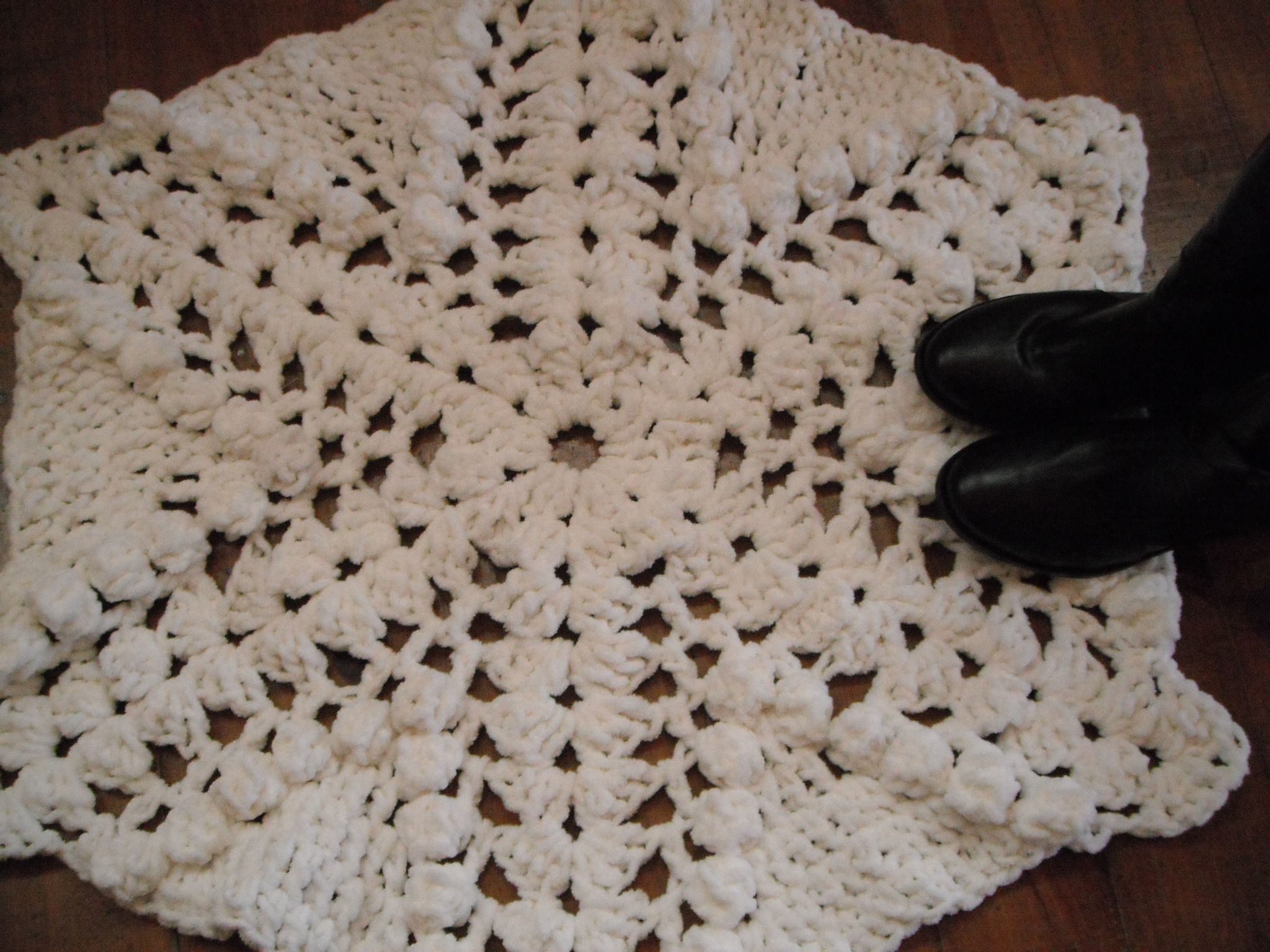 Alfombra tejida al crochet XL