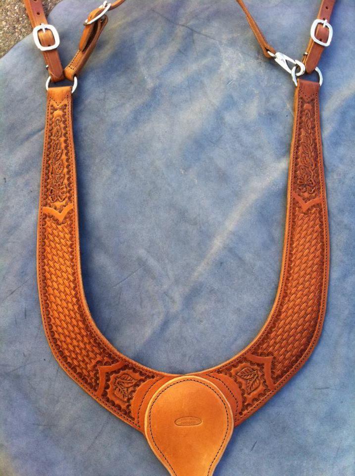collar Buckaroo breast