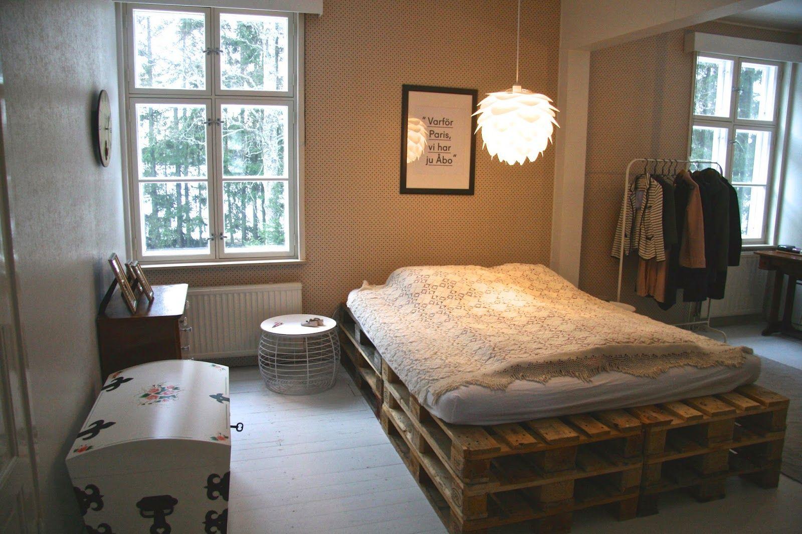 oma koti kultainen: Makuuhuone paria juttua vaille VALMIS!