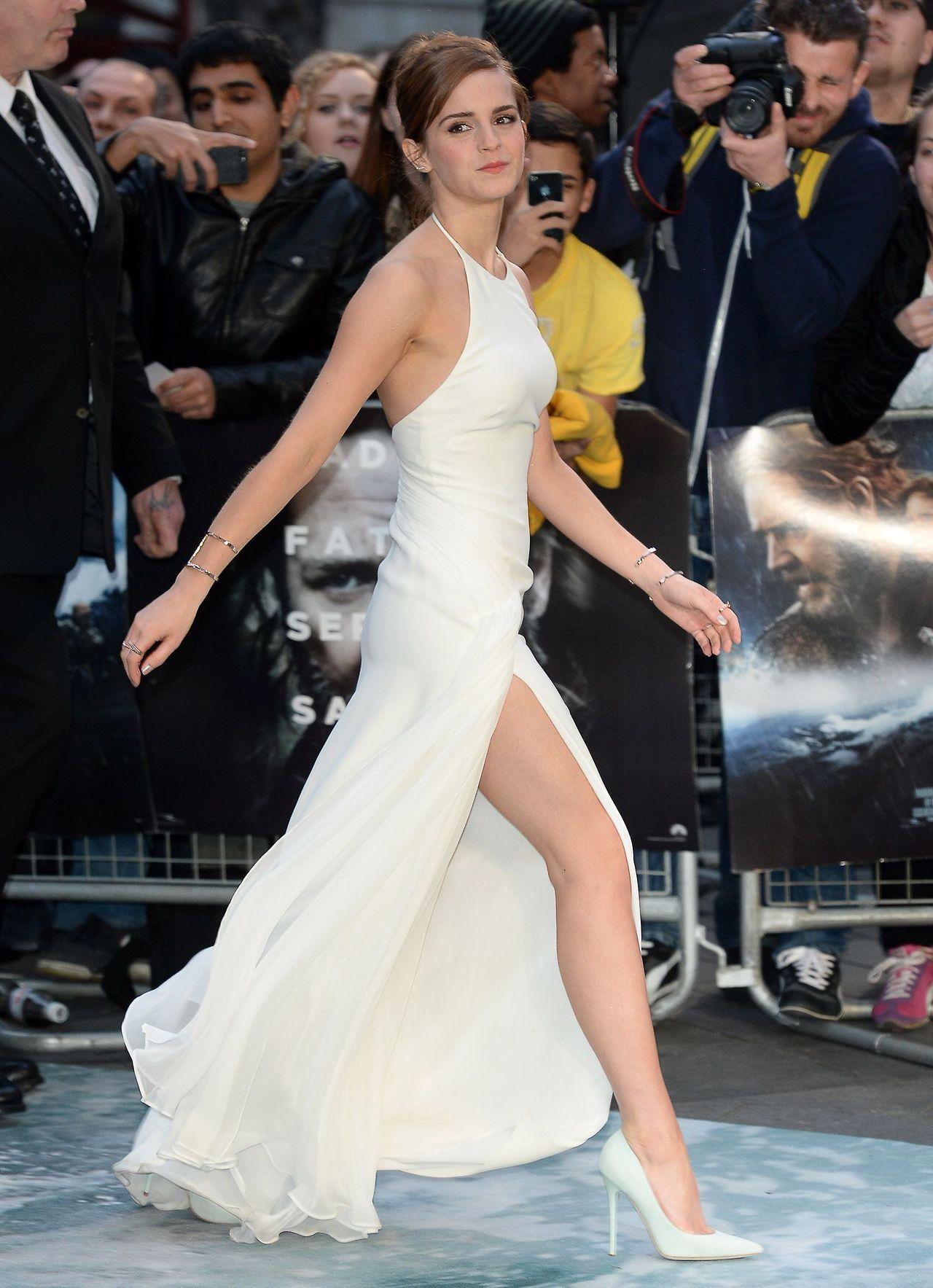 Anna Kendrick in White Heels : CelebrityFeet