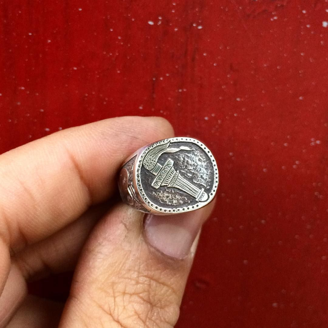 Custom signet ring for Mikey #juliocuellarhandmade #oneofakind