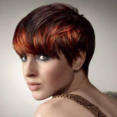 great colour Cheveux courts bruns, Coiffures cheveux