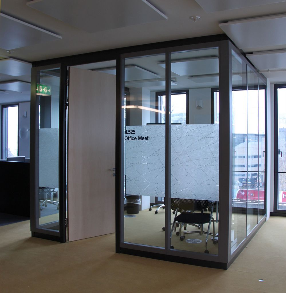 Credit suisse 39 s zurich offices smart working concept for Office design concept