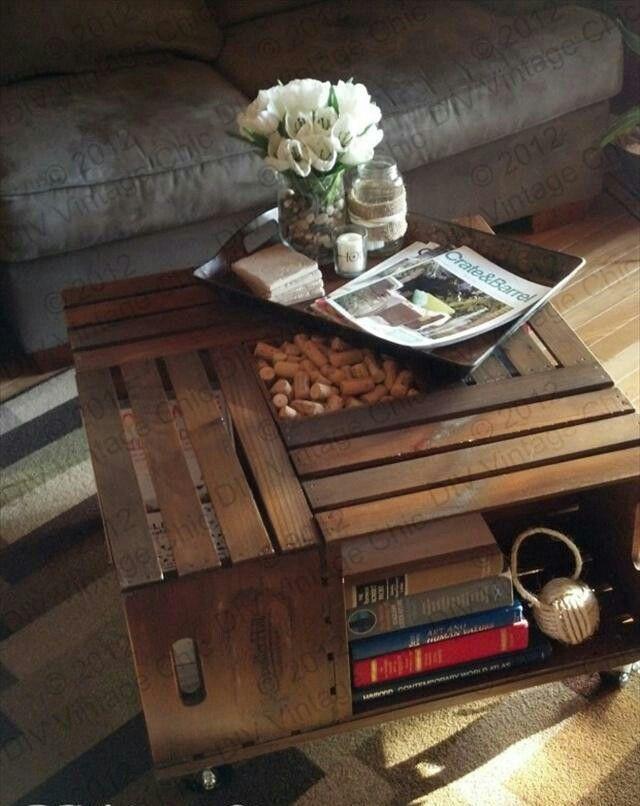 Tavolino soggiorno con cassette della frutta