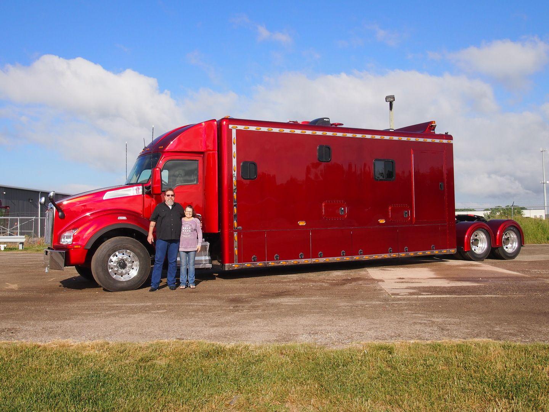 Ari legacy sleepers manufactures high end custom sleepers for semi trucks