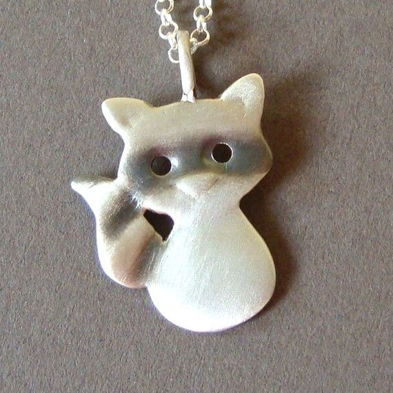 This gal knows what she's doing...so many cute animal things. When Amelia can handle jewelry better...