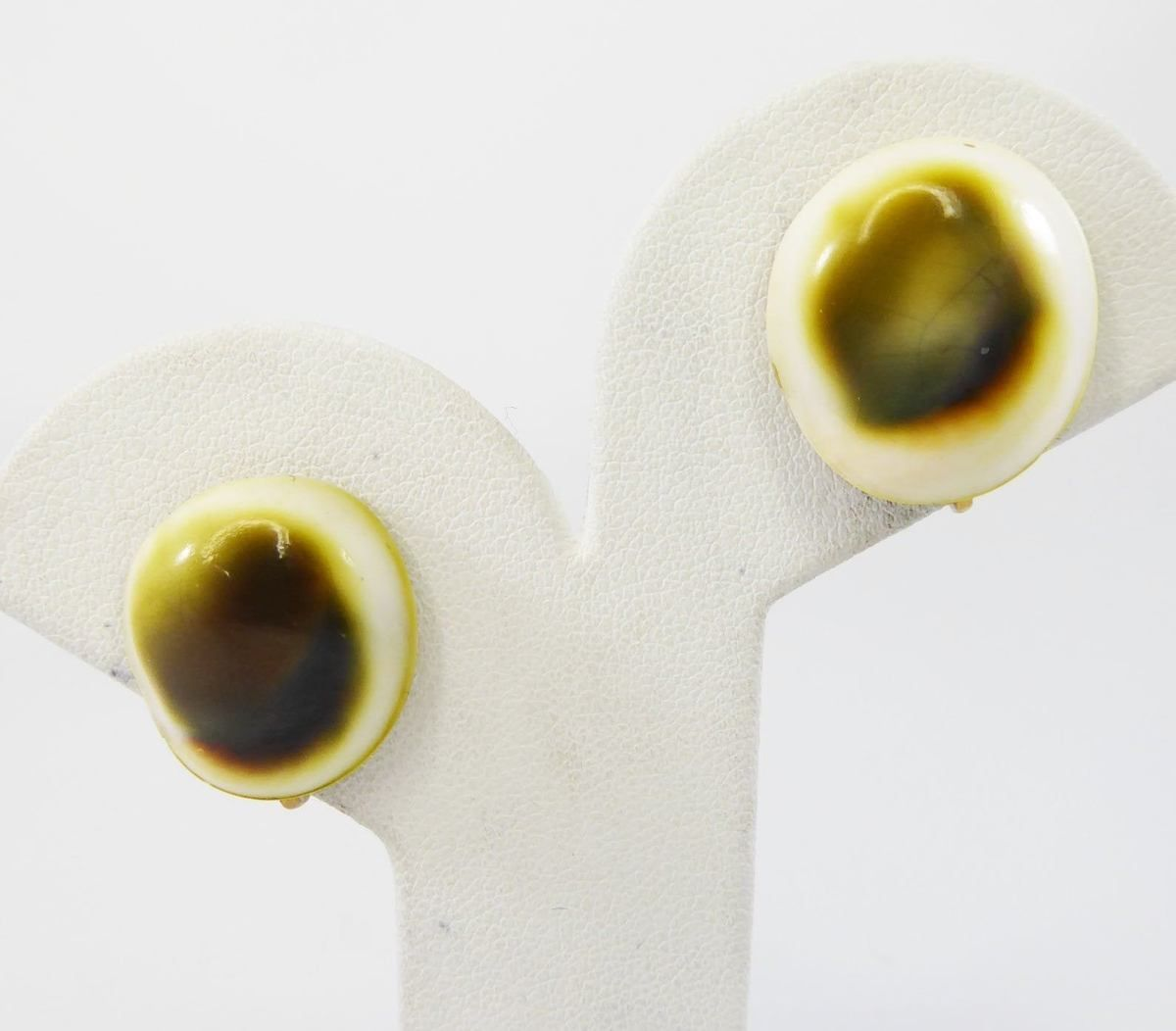 Caramel Cat S Eye Ring Diamontrigue Jewelry: Victorian Operculum Shell Earrings, Round Clip On Style
