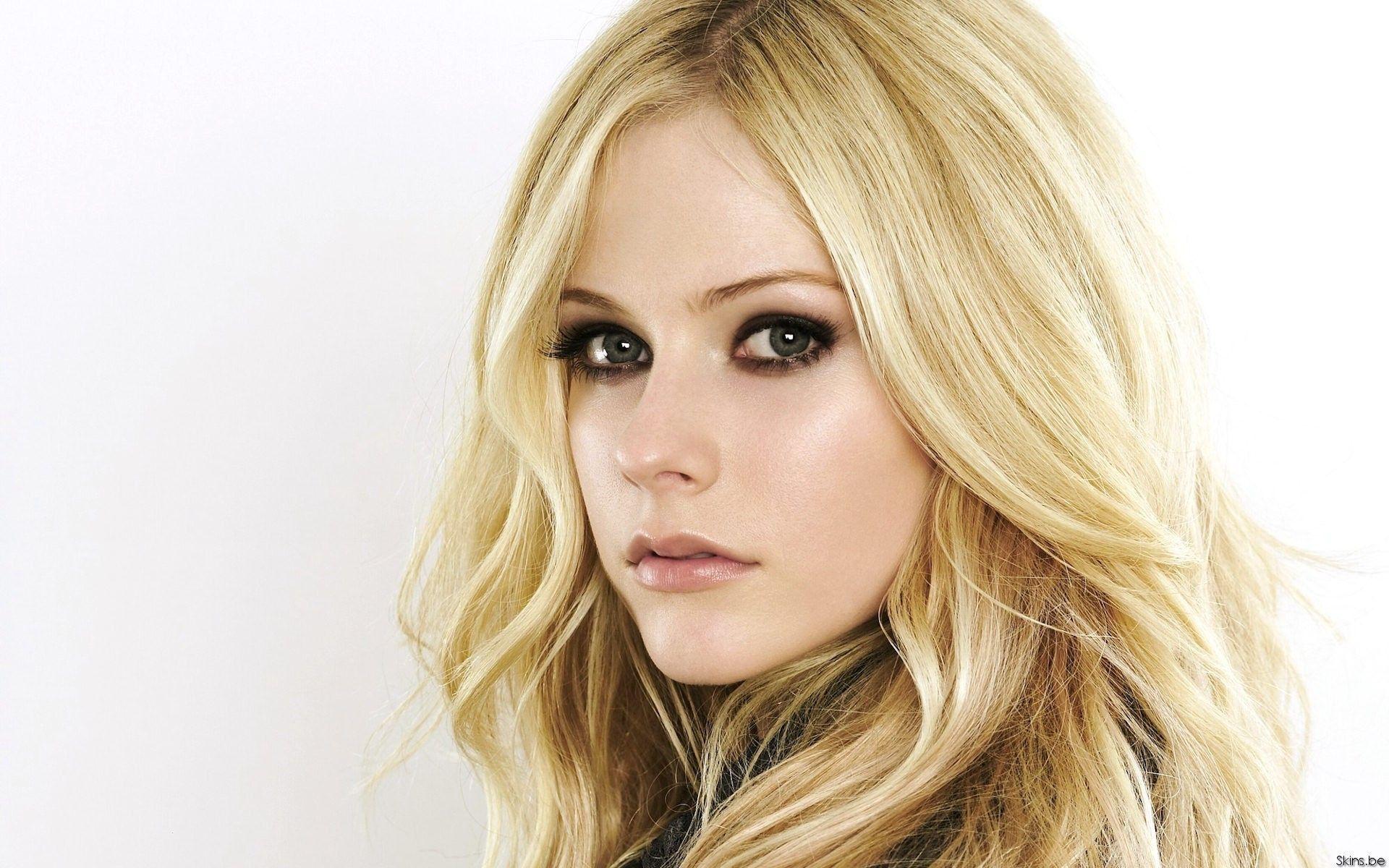 Pin by STEVE on Avril | Avril lavigne, Beauty women, Most