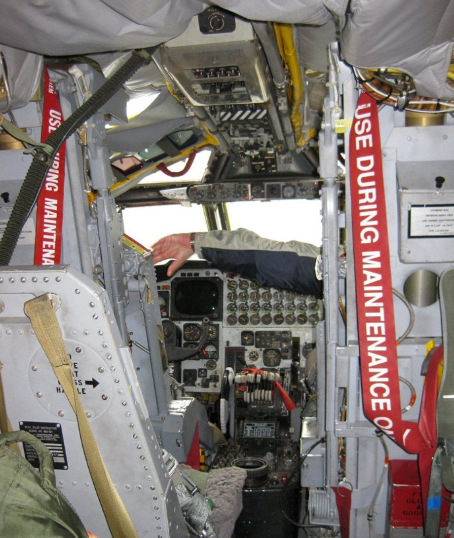 Boeing B 52 Stratofortress Of The U S Air Force History: STUNNING! Inside The B-52 Stratofortress In 52 High-res