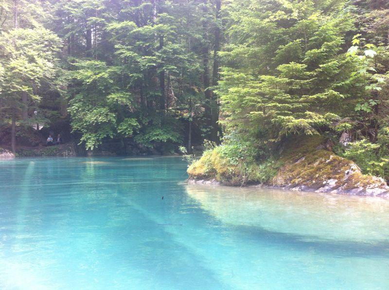 blausee schweiz patricia social media manager war am schwimmen