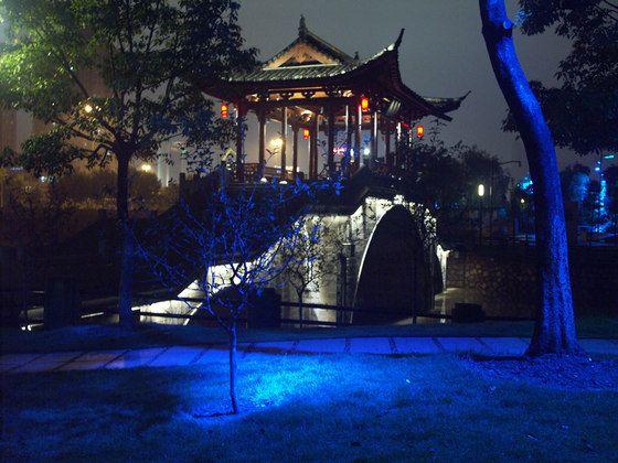 Grand Canal, Hagzhou, China Lighting design : Roger Narboni