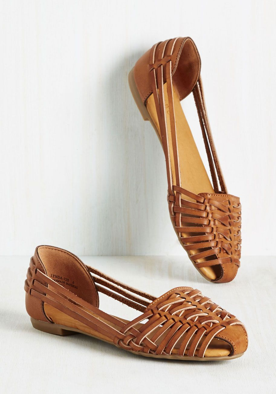 Hey Sol Sister Flat. A chipper stroll in these vegan faux-leather flats prompts you to grin up at the bright sky. #brown #modcloth