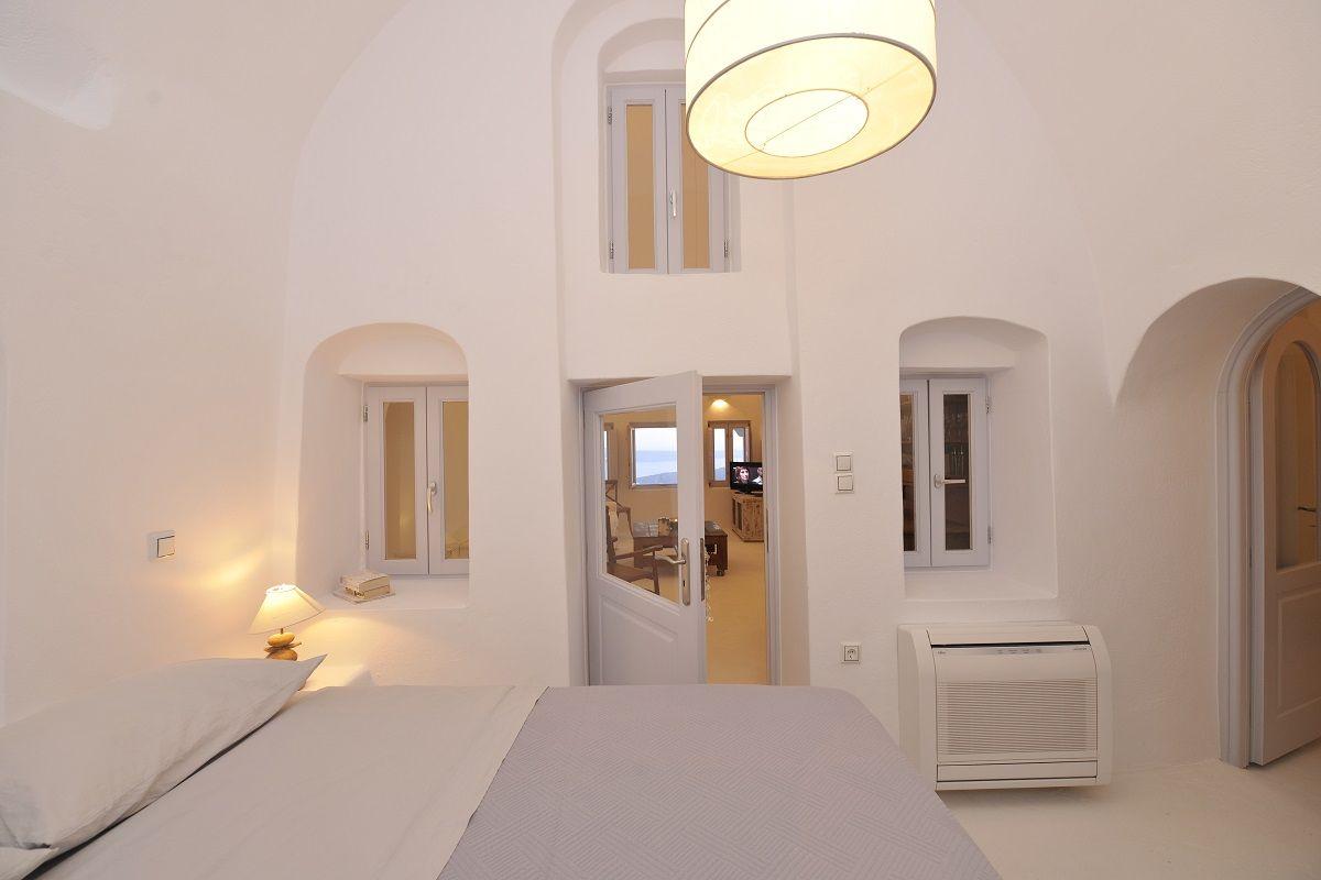 Zimmer im griechischen stil gaia villa  santorini greece an enchanting  bedrooms  pinterest