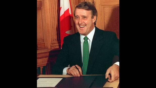 Ottawa1988 Prime Minister Brian Mulroney Before Signing The