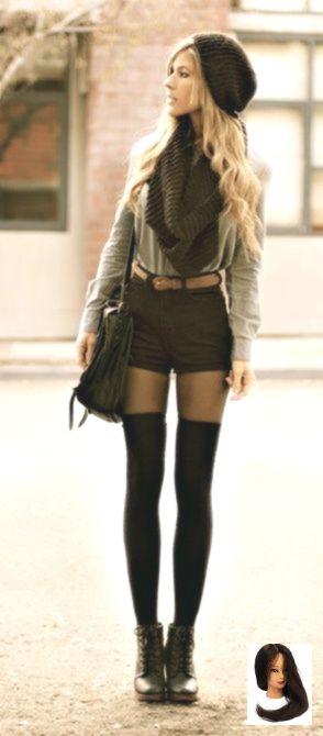 Comment 20 dames de la mode mettent des chaussettes aux genoux excessives