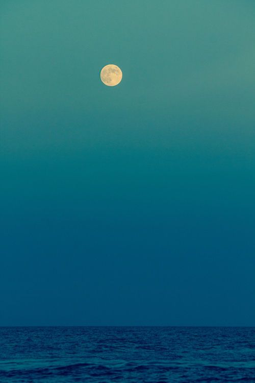 The Moon And The Sea Minimal Seascape Minimalism Nature