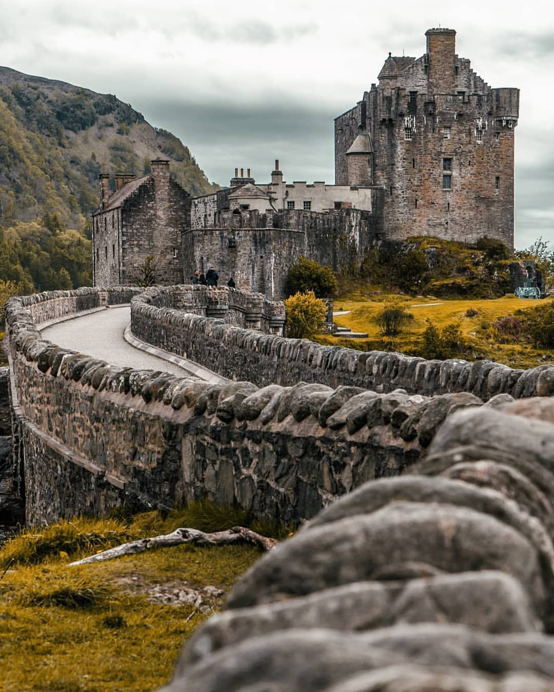 Amazing Places To See Scotland: Amazing �� Historic �� Magnificent �� How Would YOU Describe