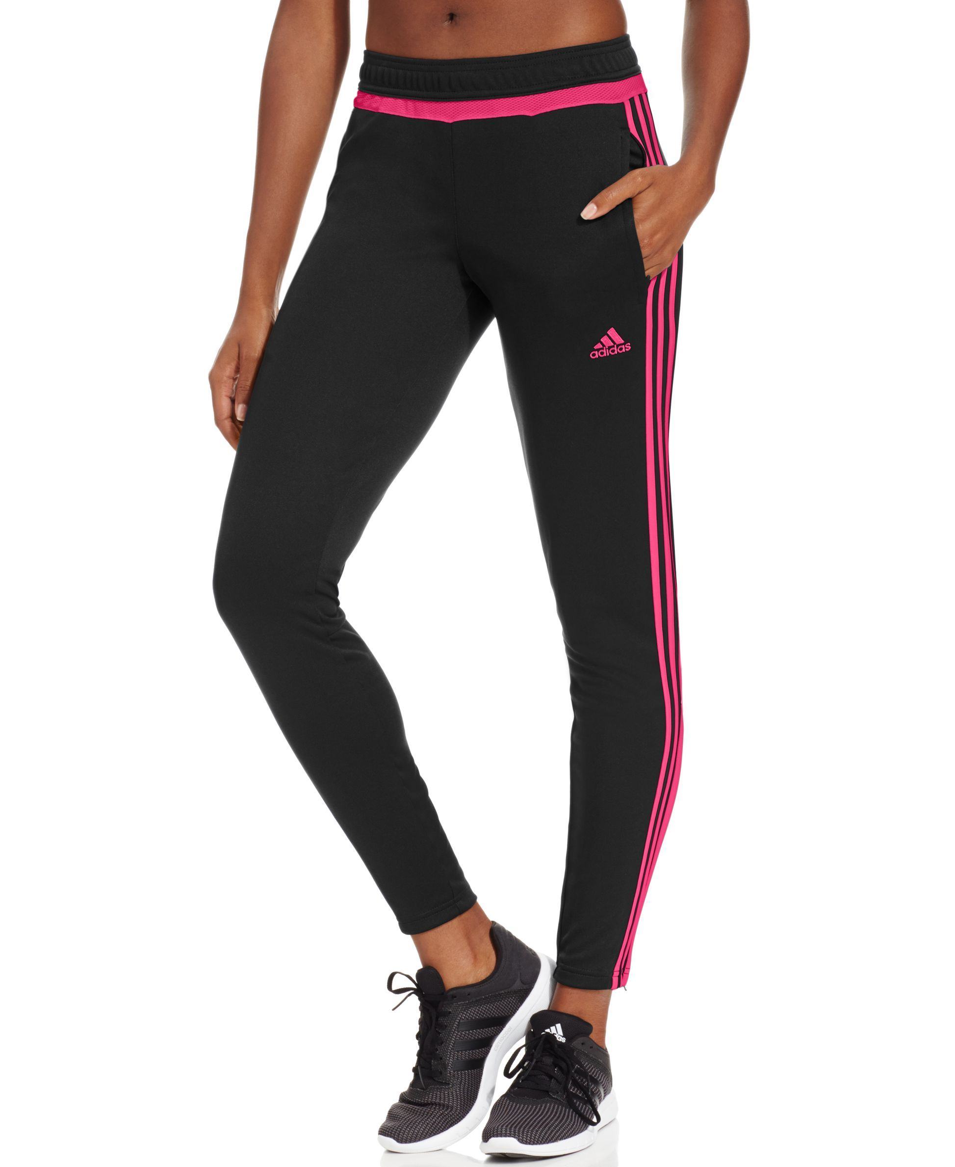 The slim, tapered fit of the Adidas Tiro 15 Pant lets you
