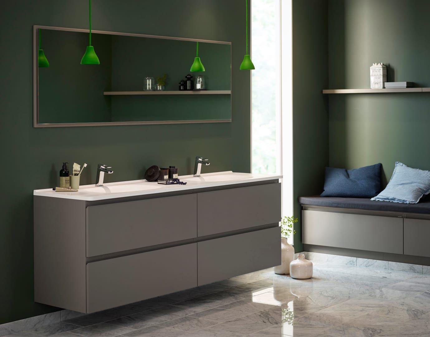 Photo of Nå kommer Vedums baderomsserie Flow også i farger. I nedtonet grønt og betong …