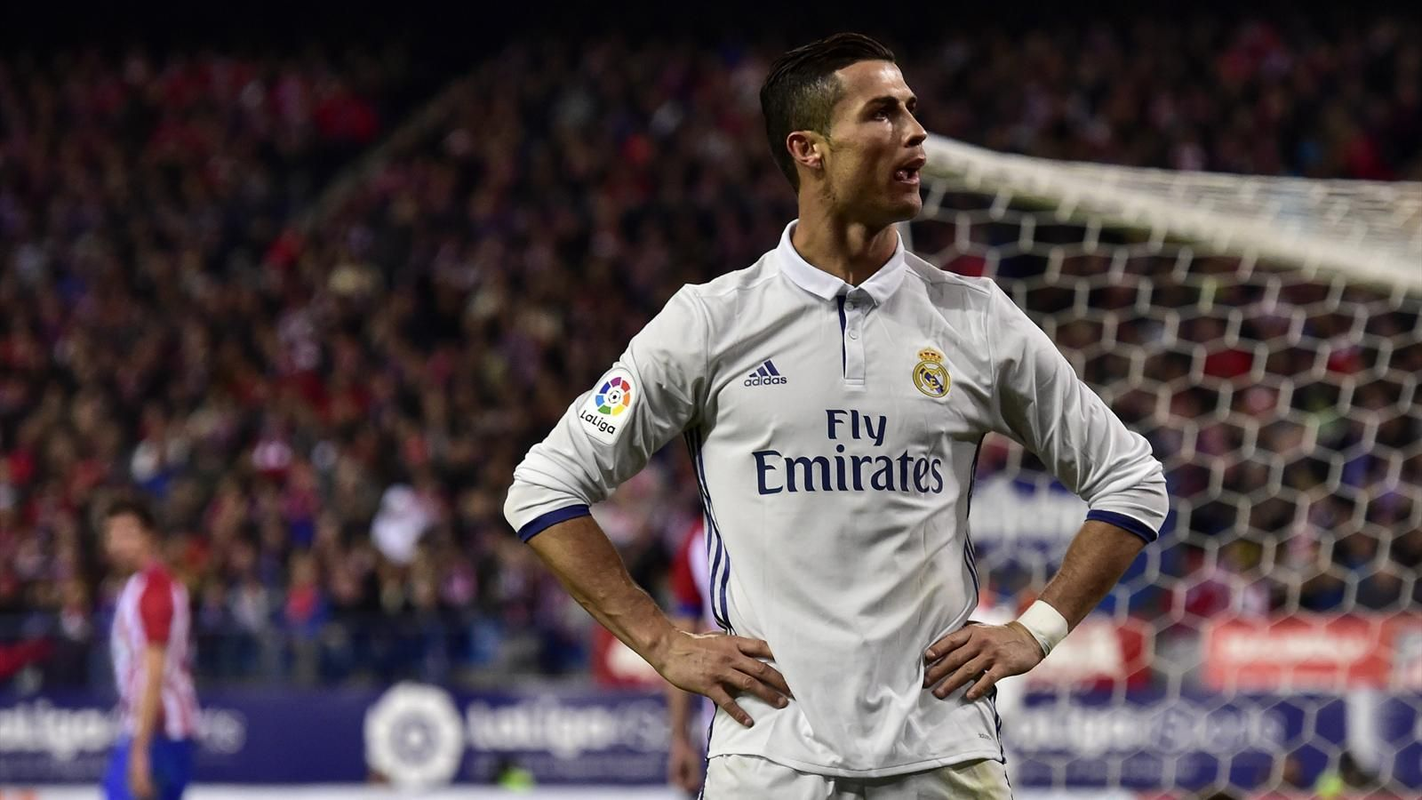رونالدو قد يعود لصفوف مانشستر يونايتد في حاله عدم زيادة راتبه كريستيانو رونالدو يريد العودة إلى ناديه السابق الذي نشأ ف Ronaldo Cristiano Ronaldo Madrid Derby