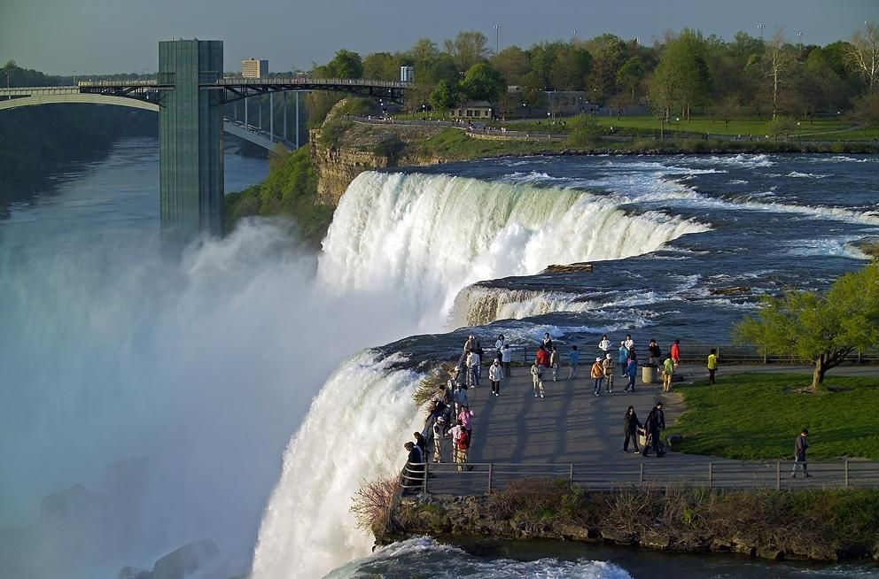 Canada places i d like to go pinterest niagara falls for Canadian cities to visit