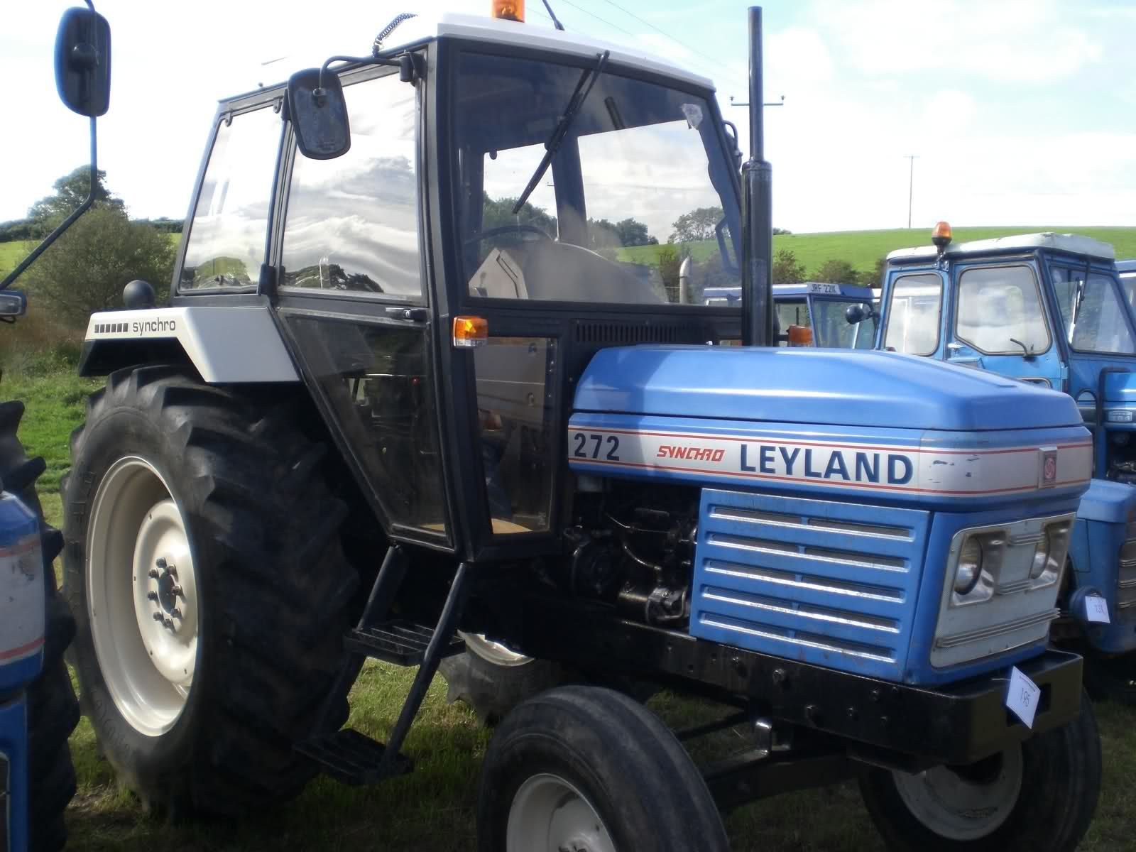 Billedresultat for leyland 2100 tractor