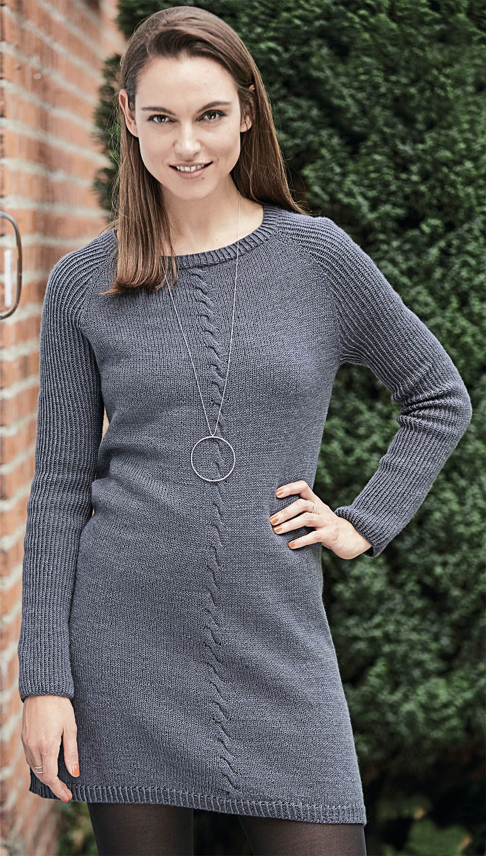Мини-платье с центральной «косой»   платье со схемой   Pinterest ... e84838d29eb
