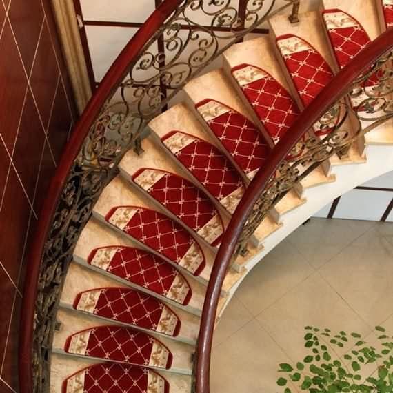 Best Christmas Decor Trends Part 2 Carpet Stairs Carpet 640 x 480