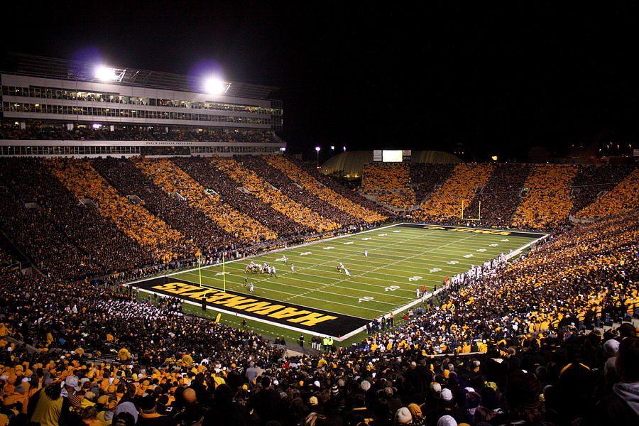 Iowa Black And Gold Stripes At Kinnick Stadium Justin Scott Jpg 900 600 Iowa Football Hawkeyes Football Stadiums