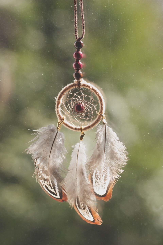 collier attrape r ves indien dreamcatcher avec plumes. Black Bedroom Furniture Sets. Home Design Ideas