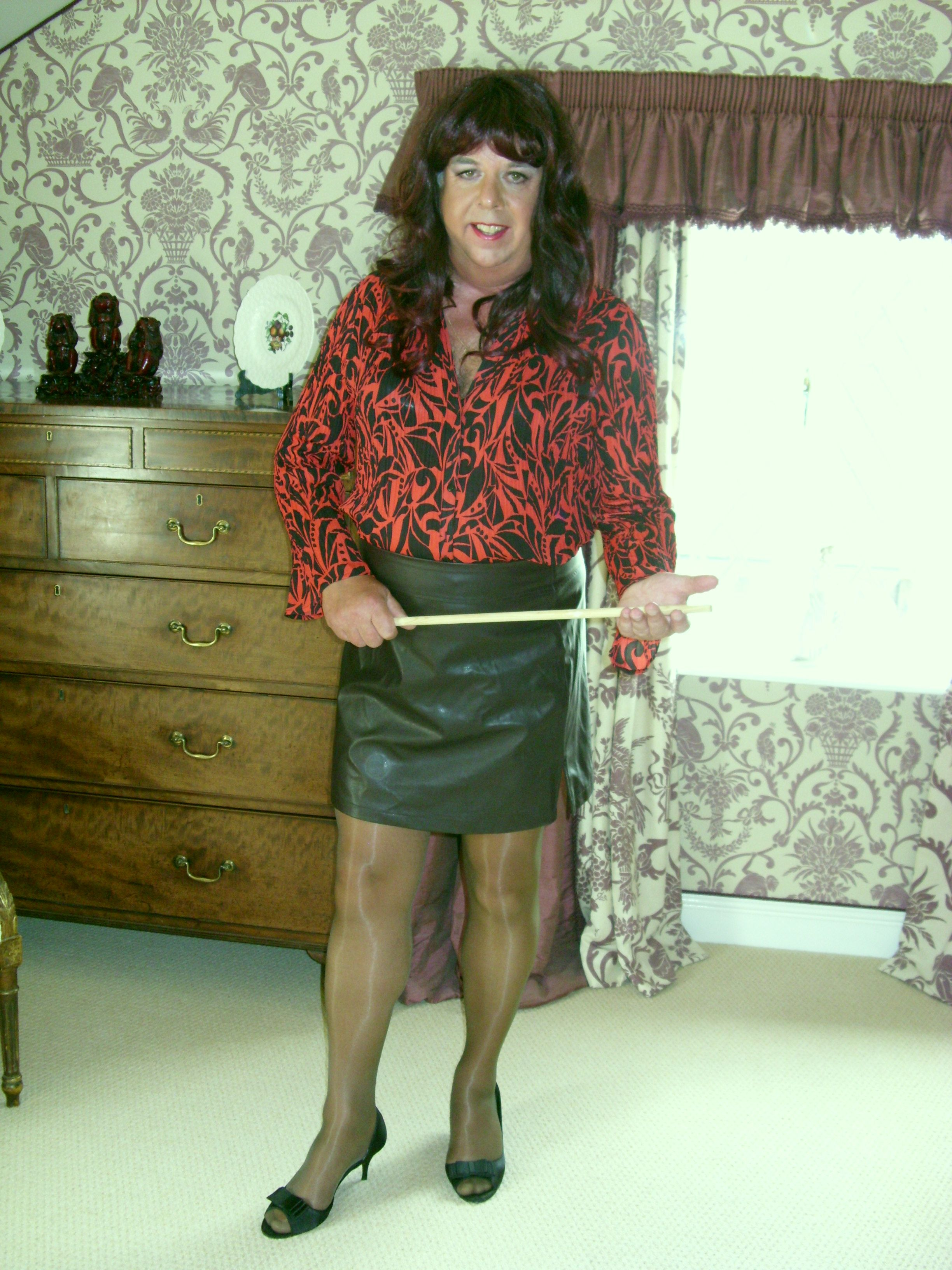pindis on crossdressers wearing platino cleancut pantyhose